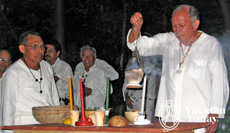 Ceremonia maya aluxoob