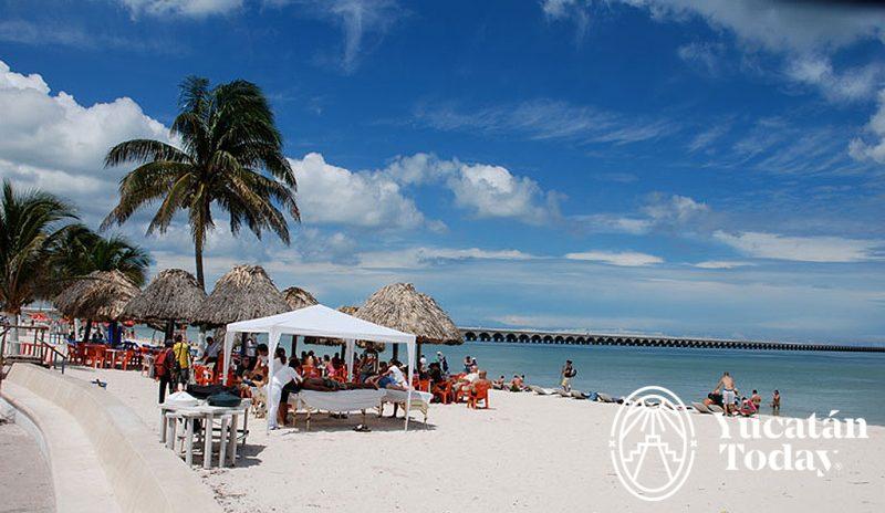 Progreso-playa-malecon-800x464.jpg
