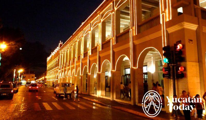 Merida plaza grande noche