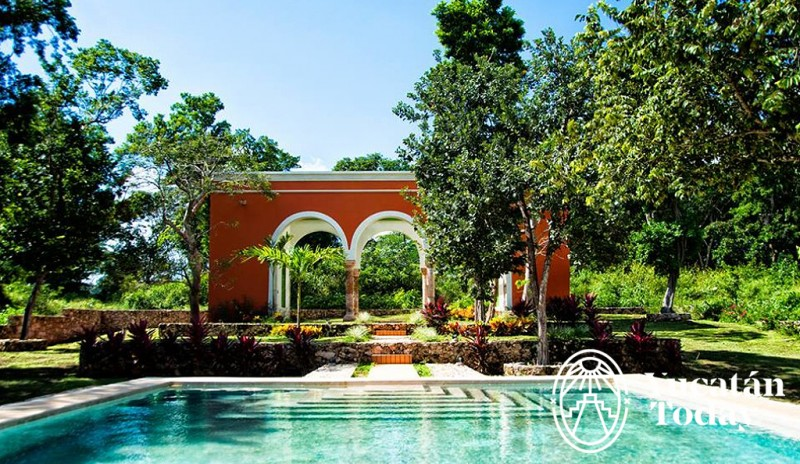 Hacienda Yokat piscina