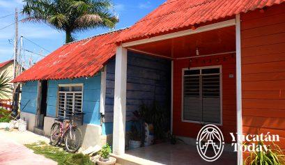 San Felipe casa azul y naranja